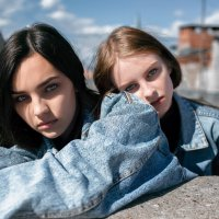 Портрет юных красивых девушек на крыше в Стерлитамаке :: Lenar Abdrakhmanov