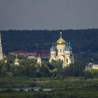 Николо- Угрежский монастырь, снято с расстояния где то 5 км :: Петр Беляков
