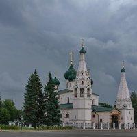 Опять будет дождь... На главной площади Ярославля :: Николай Белавин