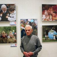На выставке :: Влад Плисковский