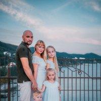 Семья на море. :: Алексей Хаустов