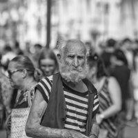Старик из уличной толпы :: Александр Степовой