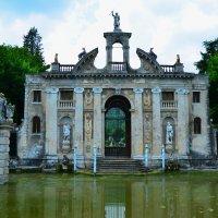 Замок на воде :: Николай Танаев