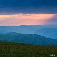 Красные облака над плато Канжол (Кабардино-Балкария) :: Сергей