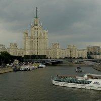 Дом на Котельнической набережной. :: Павел WoodHobby