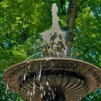 Магия старинного фонтана... :: Sergey Gordoff