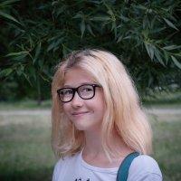 Девочка, которая хочет стать фотографом...Удачи! :: alteragen Абанин Г.