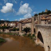 По глубинкам Каталонии...Бесалу.Испания! :: Александр Вивчарик