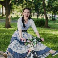 На велосипеде :: Оксана Грищенко
