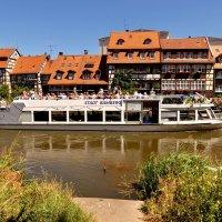 Вот такие  кораблики  курсируют  в Бамберге :: backareva.irina Бакарева