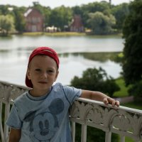 На прогулке с внуком :: Светлана Шарафутдинова