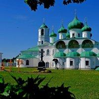 В Свято-Троицком мужском монастыре :: Михаил Рогожин