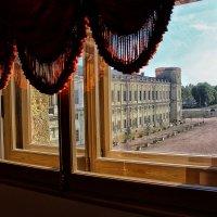 У окна Гатчинского Дворца (2) :: Nina Karyuk