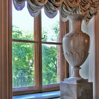 У окна Гатчинского дворца (5) :: Nina Karyuk