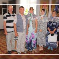 Гости в храме.. :: Александр Широнин