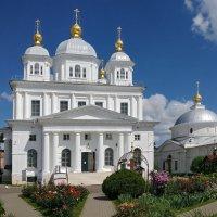 В Казанском монастыре Ярославля, после недавней реставрации :: Николай Белавин