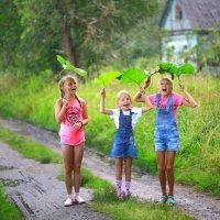 Истории из детства. Счастливый дождик. :: Екатерина Постонен