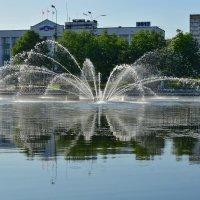 Освежающий фонтанчик на пруду :: Olcen Len