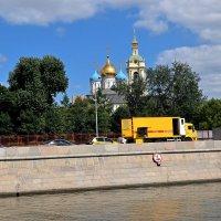 Путешествие по Москве реке продолжается. :: Татьяна Помогалова
