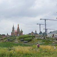В парке Зарядье. (Москва) :: Сергей Фомичев
