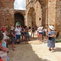 Экскурсия по разрушенной святыне :: марина ковшова