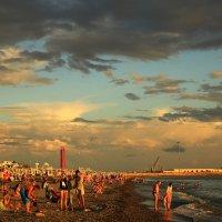 На пляже :: valeriy khlopunov