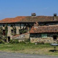 старый дом в деревни Равель, регион Овернь :: Георгий