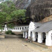 Буддистский пещерный  монастырь. :: ИРЭН@ .