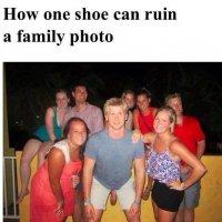 Как одна туфля может испортить семейное фото :: Natalia Harries