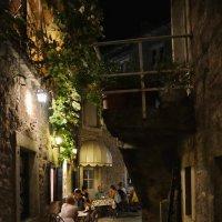 Будва. Вечер в Старом городе :: Александр С.