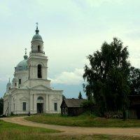 Старая церковь :: Нэля Лысенко