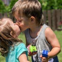 Первый поцелуй :: Elt