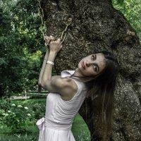 девушка с цепью :: Юлия Денискина