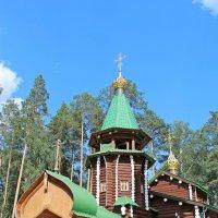 Храм в монастыре :: Елена Викторова