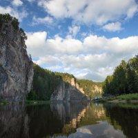 "Вид на камень ""Омутной"" :: Александр Кафтанов"