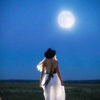 Влекомая луной :: Анна Гвоздовская