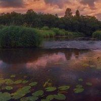 Закат на реке :: Михаил Александров