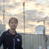 Портрет на фоне городского неба. :: Михаил Полыгалов