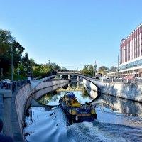 Яуза-судоходная река :: Oleg S