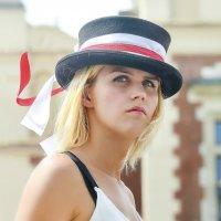 Портрет незнакомки в шляпе :: Александр Бойко