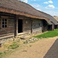 Музей народной архитектуры и быта в деревне Озерцо :: Евгений Кочуров
