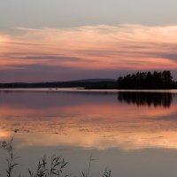 Закат на озере Боярском. Карелия. :: Наталия Владимирова