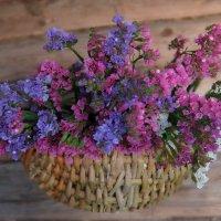 Корзина с цветами. :: Люба