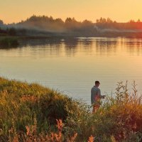 Августовская вечерняя рыбалка :: Александр Бойченко