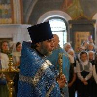 Молебен, проповедь и благословение для всех учеников гимназии. :: Татьяна Помогалова