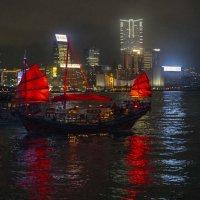 Вечер в Гонконге :: Леонид
