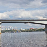 Взгляд на город из-под моста :: val-isaew2010 Валерий Исаев