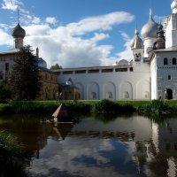 В ростовском Кремле :: Елена