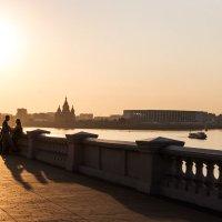Тёплый сентябрьский вечер на набережной :: Андрей Молодов