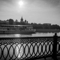 разрезая солнечный луч! :: Валерий Гудков